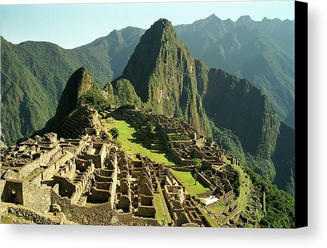 Horizontal Canvas Print featuring the photograph The Ruins Of Machu Picchu, Peru, Latin America by Brian Caissie