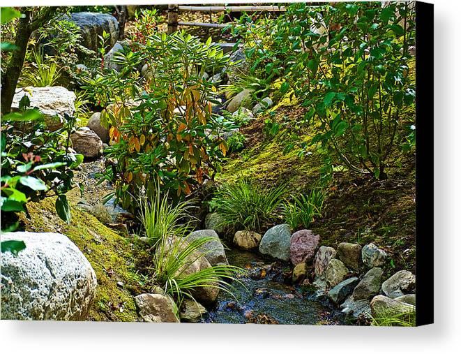 Color in the rocks in japanese garden in meijer gardens in for Landscaping rocks grand rapids mi
