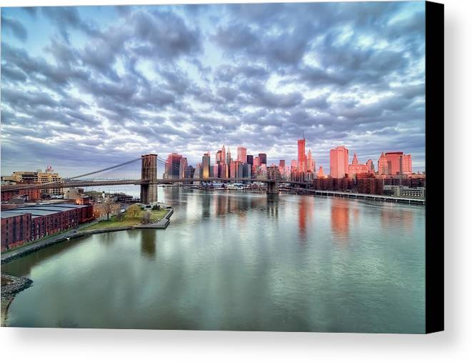 Horizontal Canvas Print featuring the photograph New York City by Photography by Steve Kelley aka mudpig