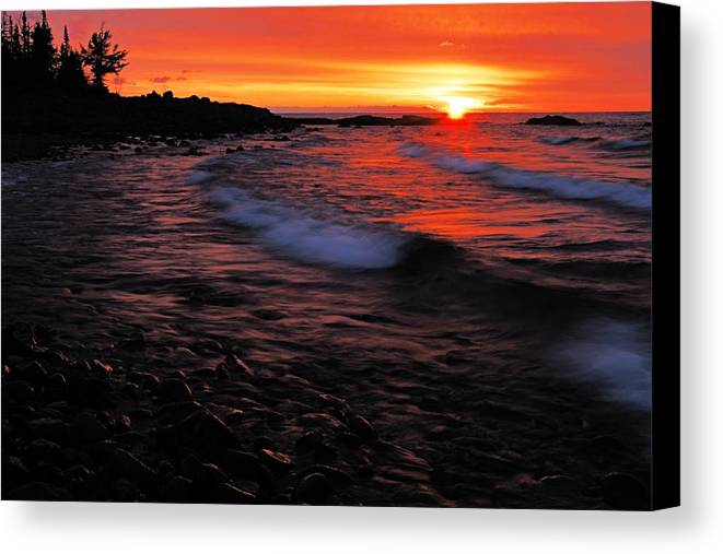 Split Rock Lighthouse State Park Canvas Print featuring the photograph Superior Sunrise 2 by Larry Ricker