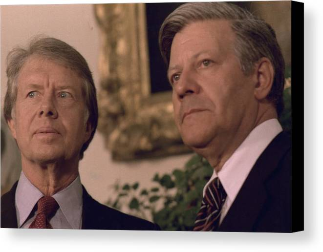 History Canvas Print featuring the photograph Jimmy Carter Meeting With German by Everett