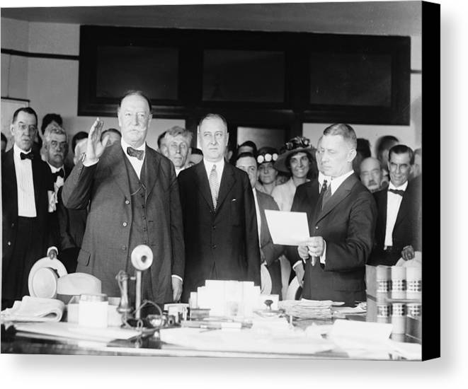 Us Presidents Canvas Print featuring the photograph Ex-president William Howard Taft by Everett