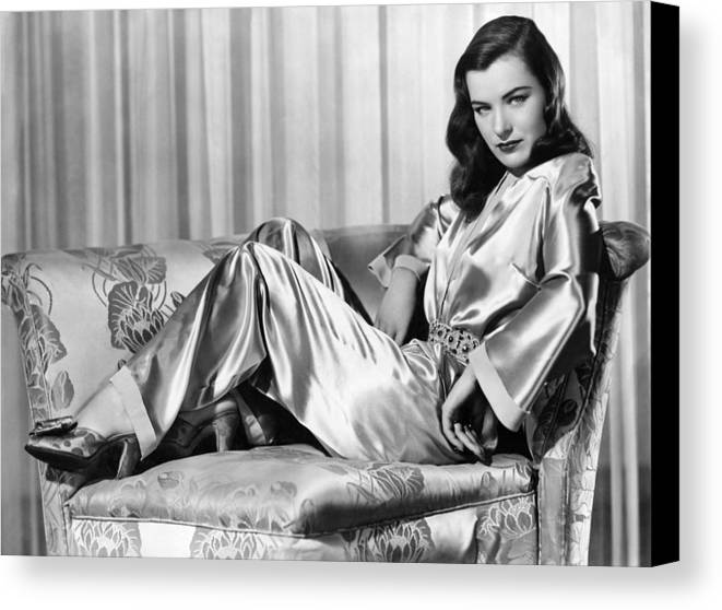 1940s Portraits Canvas Print featuring the photograph Ella Raines, Universal Pictures by Everett