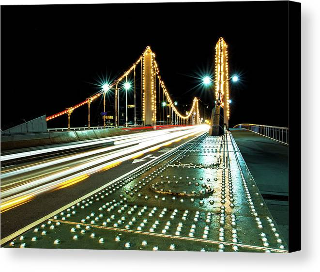 Horizontal Canvas Print featuring the photograph Chelsea Bridge by Vulture Labs