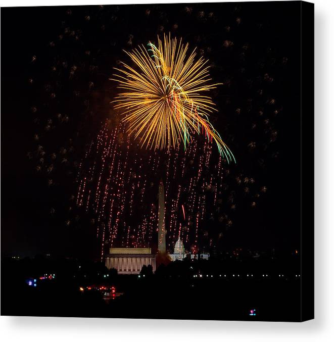 4th Of July Canvas Print featuring the photograph Dc Celebration by David Hahn