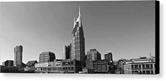 Nashville Tennessee Skyline Black And White Canvas Print featuring the photograph Nashville Tennessee Skyline Black And White by Dan Sproul