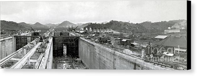 Technology Canvas Print featuring the photograph Panama Canal Construction 1910 by Photo Researchers