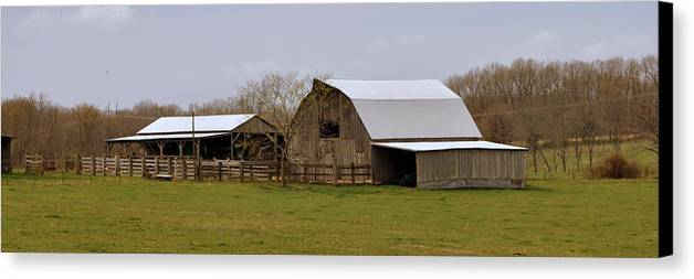 Barn Canvas Print featuring the photograph Barn In The Ozarks by Marty Koch