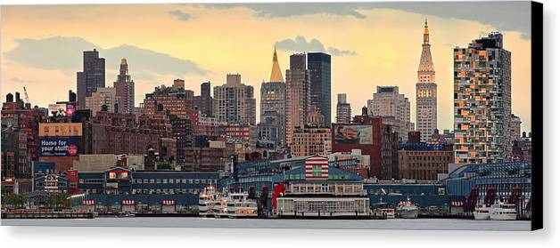 Hudson River Canvas Print featuring the photograph Manhatan Ny by Emmanuel Panagiotakis