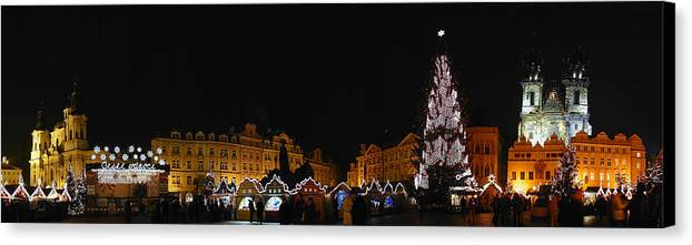Old Town Square Photographs Canvas Print featuring the photograph Christmas Market by Gary Lobdell