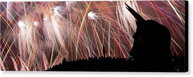 Seattle Canvas Print featuring the photograph Lake Union July 4th Pb003 by Yoshiki Nakamura