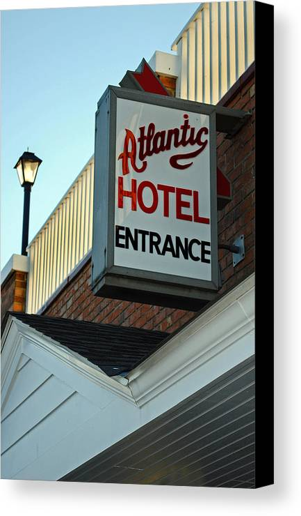 Fair Canvas Print featuring the photograph Atlantic Hotel by Skip Willits