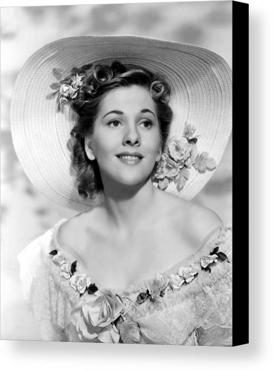 1940 Movies Canvas Print featuring the photograph Rebecca, Joan Fontaine, 1940 by Everett