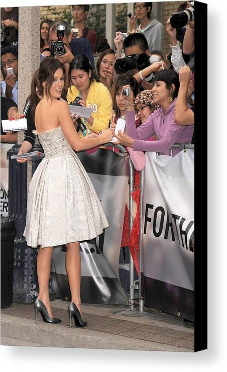 Nothing But The Truth Gala Premiere Canvas Print featuring the photograph Kate Beckinsale Wearing An Elie Saab by Everett