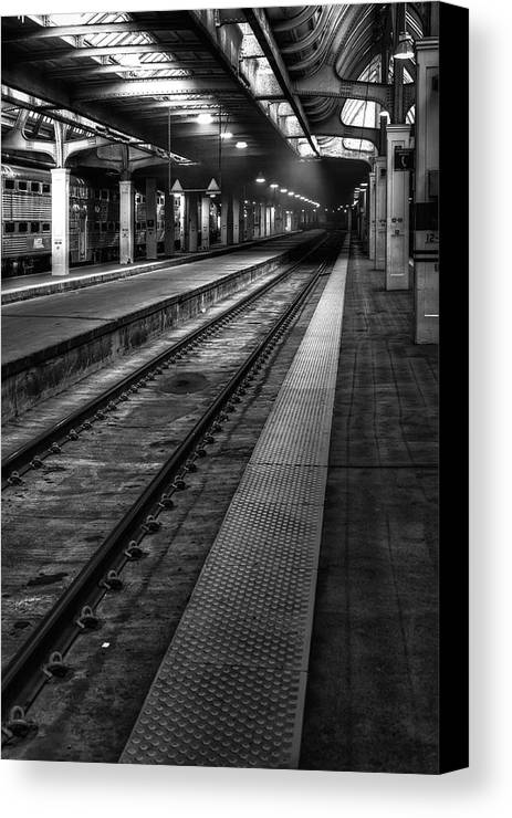 Union Canvas Print featuring the photograph Chicago Union Station by Scott Norris