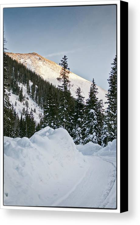 Mountain Canvas Print featuring the photograph Last Glance At The Mountain by Lisa Spencer