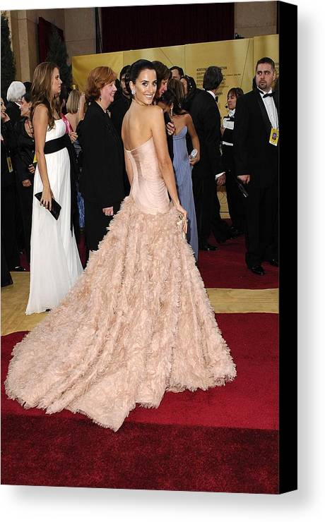 Oscars 79th Annual Academy Awards - Arrivals Canvas Print featuring the photograph Penelope Cruz Wearing Atelier Versace by Everett