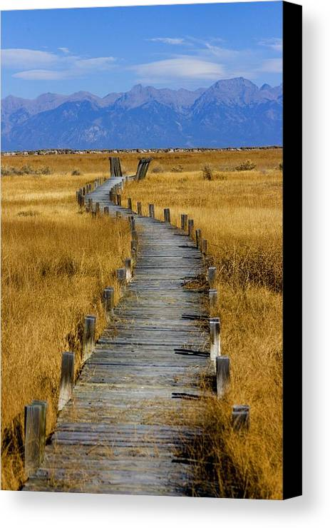 Landscape Canvas Print featuring the photograph Russell Lakes by Emily Horn