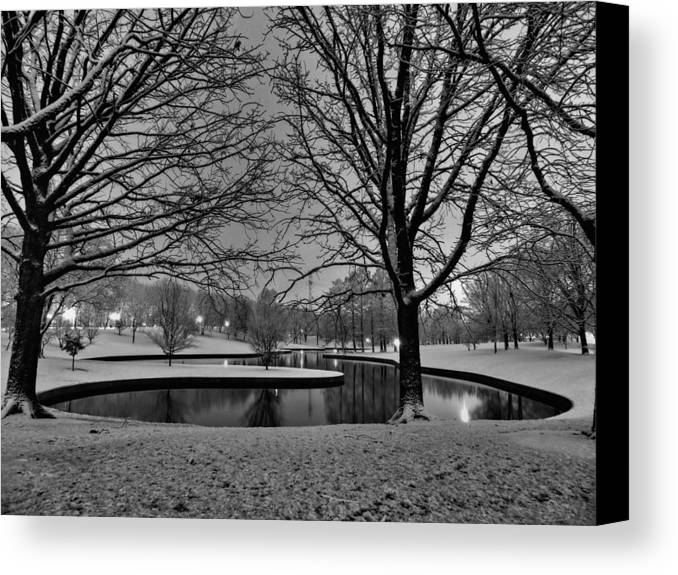Jefferson National Expansion Memorial Canvas Print featuring the photograph St. Louis - Winter At The Arch 001 by Lance Vaughn