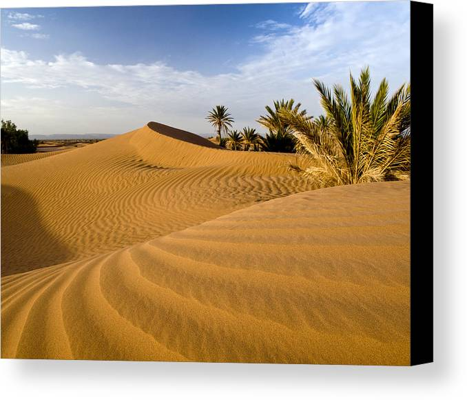 Horizontal Canvas Print featuring the photograph Sahara Desert At M'hamid, Morocco, Africa by Ben Pipe Photography