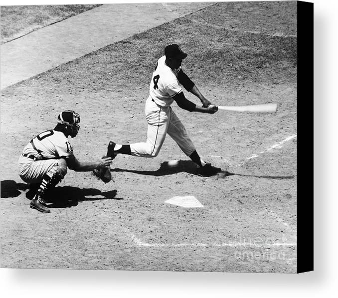 1959 Canvas Print featuring the photograph Willie Mays (1931- ) by Granger