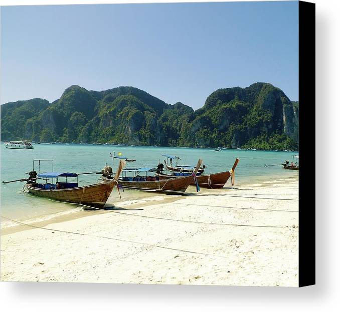 Horizontal Canvas Print featuring the photograph Boats In Row by Gitpix