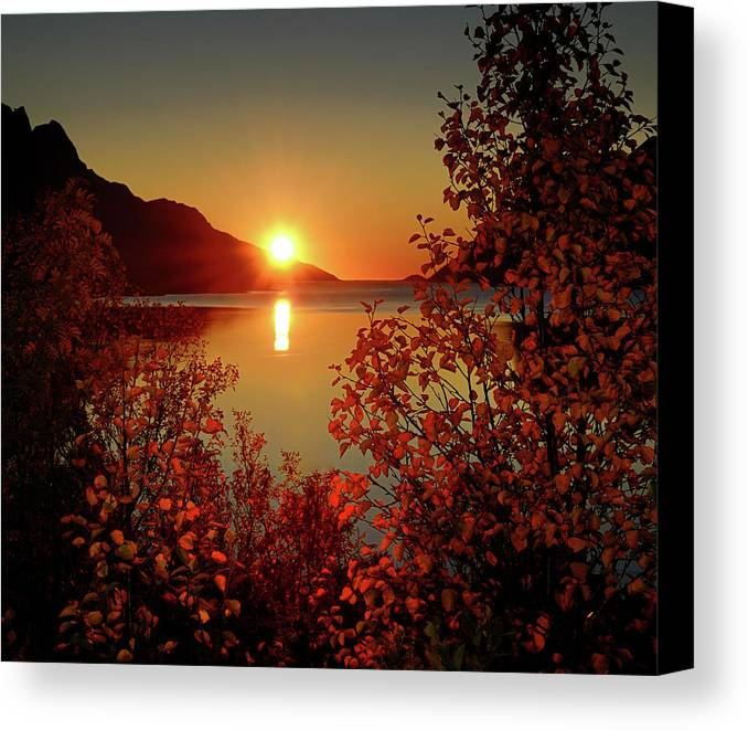 Horizontal Canvas Print featuring the photograph Sunset In Ersfjordbotn by John Hemmingsen