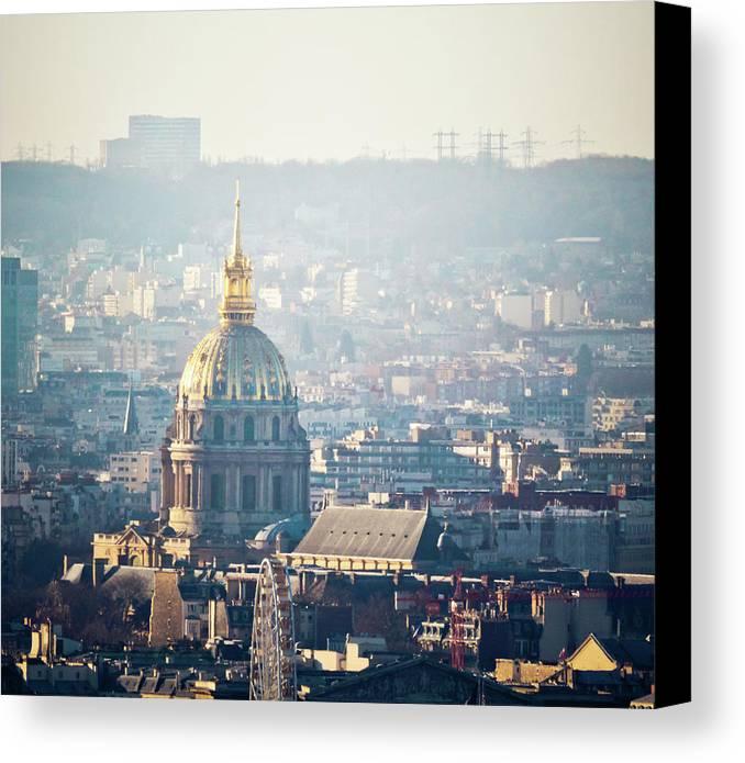 Horizontal Canvas Print featuring the photograph Montmartre Sacre Coeur by By Corsu sur FLICKR