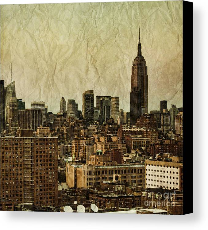 New Canvas Print featuring the photograph Empire Stories by Andrew Paranavitana