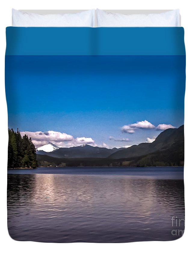 Seacapes Duvet Cover featuring the photograph Beautiful Bc by Robert Bales