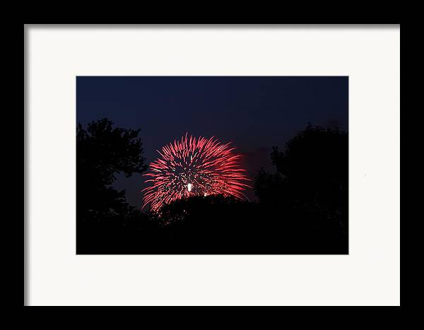 Washington Framed Print featuring the photograph 4th Of July Fireworks - 01136 by DC Photographer