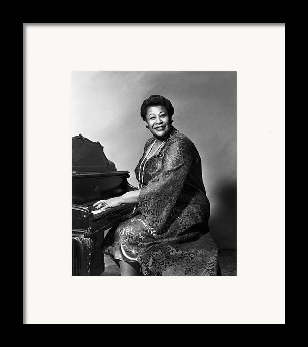 1955 Framed Print featuring the photograph Ella Fitzgerald (1917-1996) by Granger