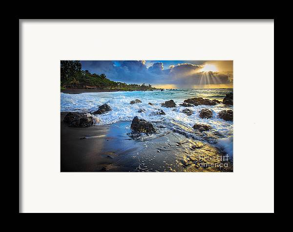America Framed Print featuring the photograph Maui Dawn by Inge Johnsson