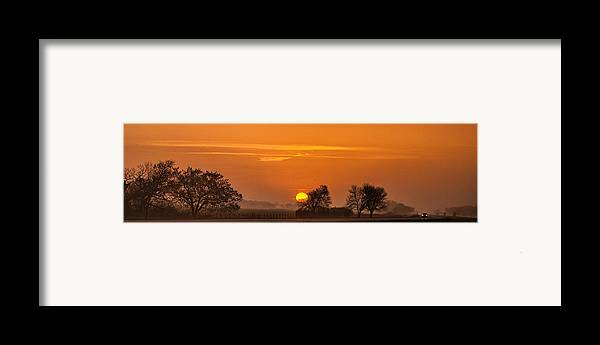 Panorama Framed Print featuring the photograph Morning Drive by Andrew Soundarajan
