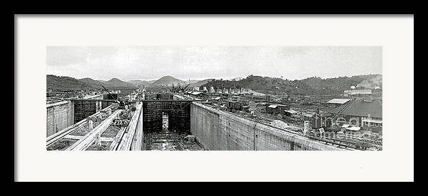 Technology Framed Print featuring the photograph Panama Canal Construction 1910 by Photo Researchers