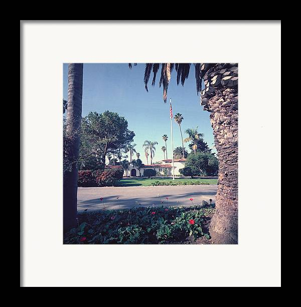 History Framed Print featuring the photograph President Nixons Home In San Clemente by Everett