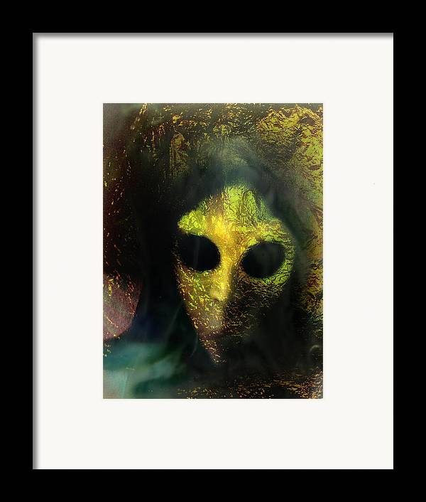 Face Framed Print featuring the photograph Visitor by Shirley Sirois