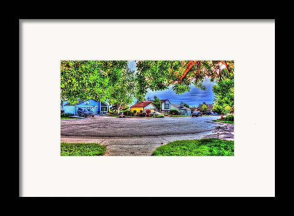 Sunset Framed Print featuring the digital art Amaneciendo by Sergio Aguayo