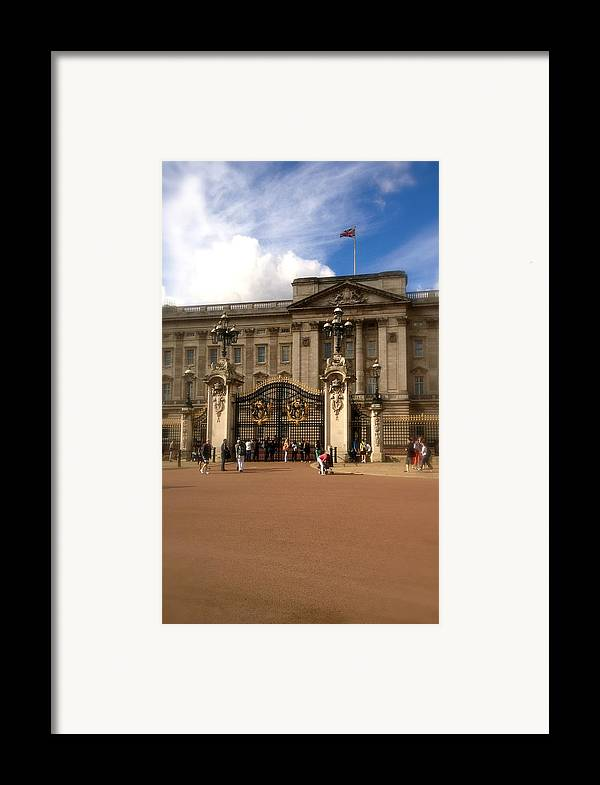 Queen Framed Print featuring the photograph Buckingham Palace by John Colley