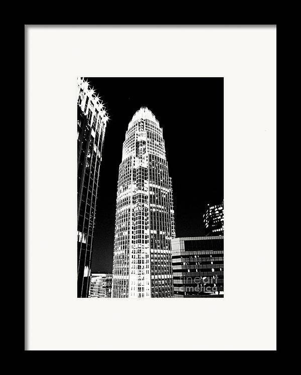 Charlotte Framed Print featuring the photograph Charlotte North Carolina Bank Of America Building by Kim Fearheiley