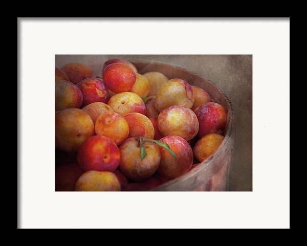 Hdr Framed Print featuring the photograph Food - Peaches - Farm Fresh Peaches by Mike Savad