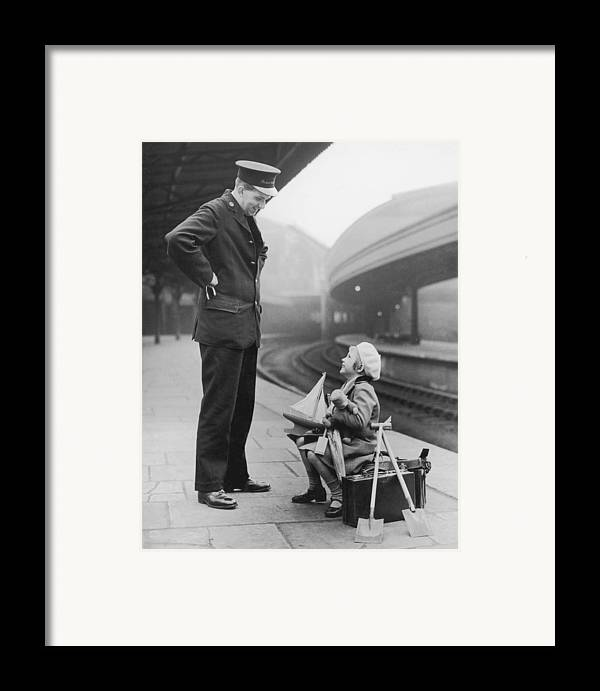 6-7 Years Framed Print featuring the photograph Summer Holiday by William Vanderson