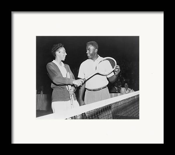History Framed Print featuring the photograph Althea Gibson 1927-2003 And Jackie by Everett