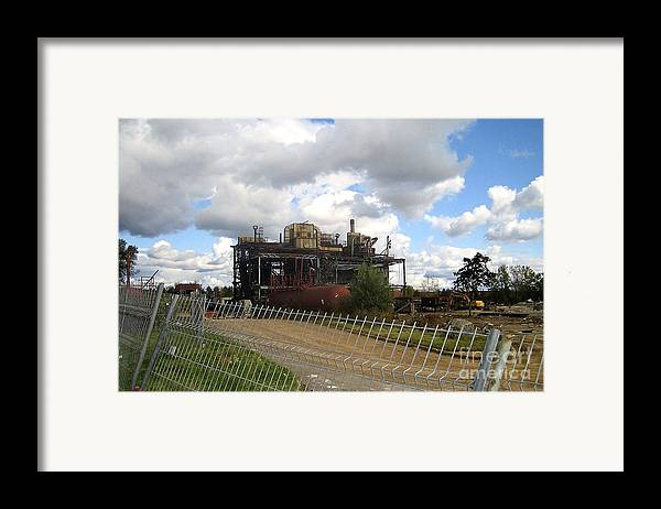 Photography Framed Print featuring the photograph Domfer Deconstruction by Reb Frost
