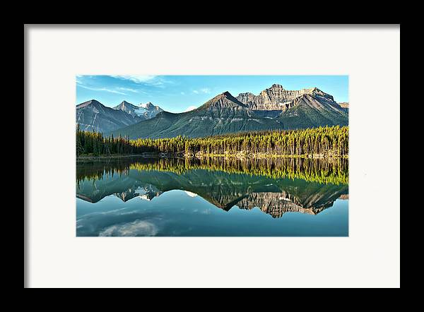 Horizontal Framed Print featuring the photograph Herbert Lake - Quiet Morning by Jeff R Clow
