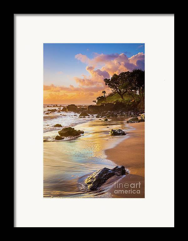 America Framed Print featuring the photograph Koki Beach Sunrise by Inge Johnsson