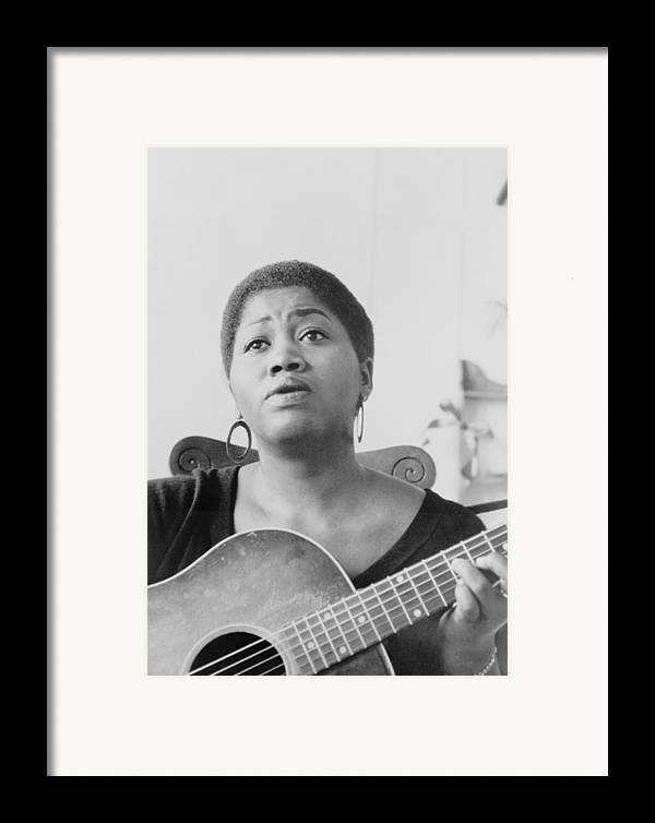 History Framed Print featuring the photograph Odetta Holmes 1930-2008, African by Everett