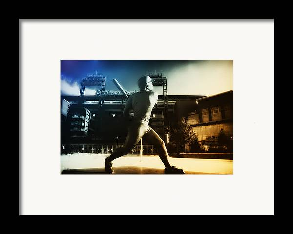 Philadelphia Framed Print featuring the photograph Philadelphia Phillie Mike Schmidt by Bill Cannon