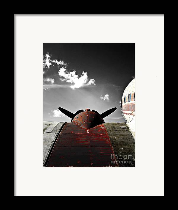 Vintage Airplane Framed Print featuring the photograph Vintage Dc-3 Aircraft by Steven Digman
