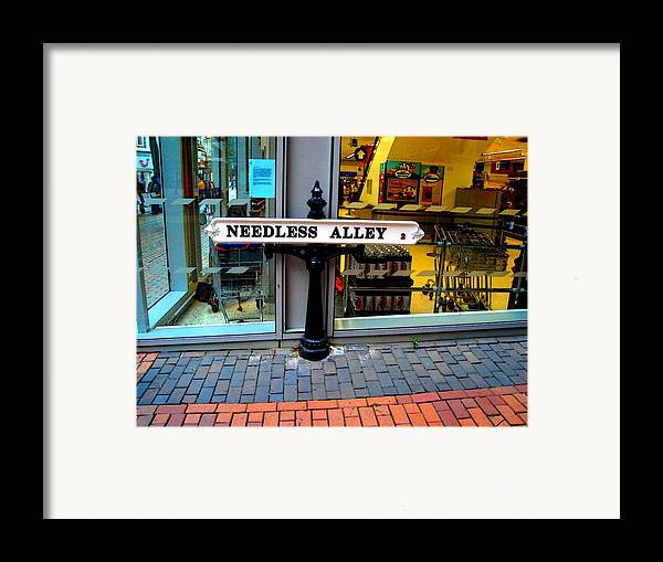 Humor Framed Print featuring the photograph Waste Of Space by Roberto Alamino